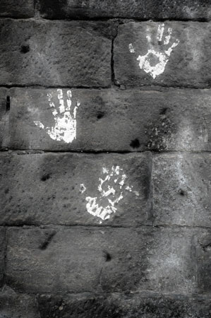 Rue Bricabrac, bdsm, main
