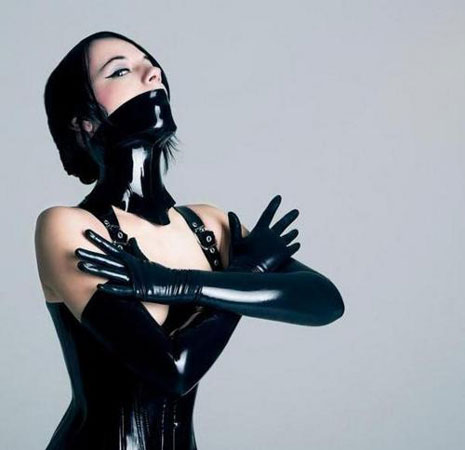 Rue Bricabrac, bdsm, burqini, latex