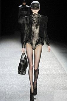 Rue Bricabrac, bdsm, modèle